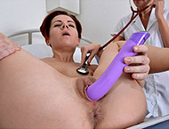Sascha, 32 years MILF gyno exam. Checkup with breasts, pulse, blood pressure, both holes detailed exam, douche, gyno-chair piss, two speculums, vibrator stethoscope orgasm and suppository.